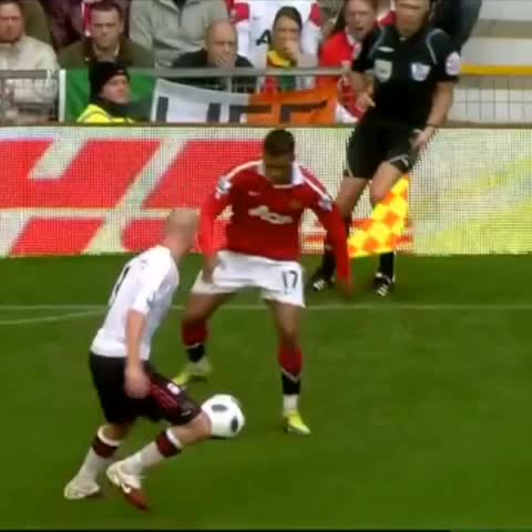 best soccer skillss post on Vine - Berbatov !! #manu #vs #liverpool #bes #soccer go follow the amazing gamer on youtube ter awesome!! - best soccer skillss post on Vine