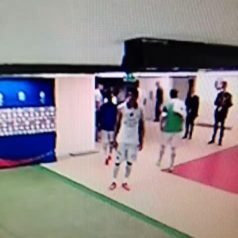 Framels post on Vine - Les images du coup de boule de ce FDP de Brandao #PSG #motta - Framels post on Vine