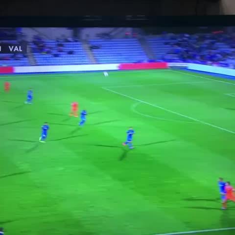 MUNDOGOLs post on Vine - Golazo de André Gomes. Vaya control de Rodrigo. Getafe 0-2 Valencia - MUNDOGOLs post on Vine