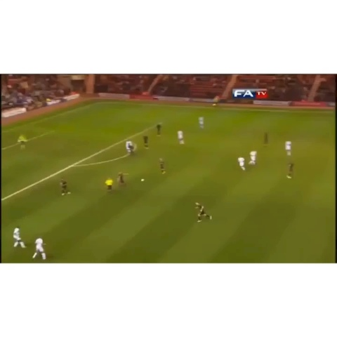 GAMETIME™s post on Vine - Henry Lansbury bendin it like Beckham #gametime - GAMETIME™s post on Vine