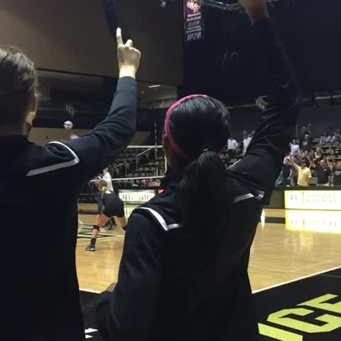 Turn down for what?! @UCF_Volleyball is now 9-0 in the @American_Conf! #ChargeOn - UCF Knightss post on Vine