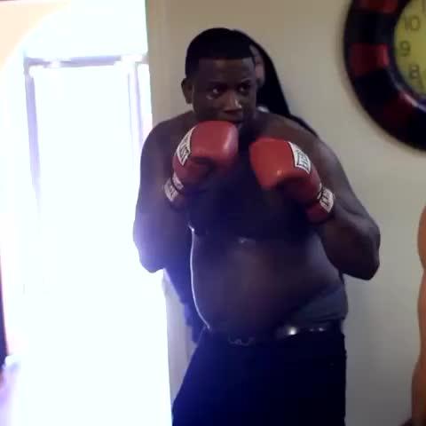 Gucci Mane boxing - Vine by illamerica - Gucci Mane boxing
