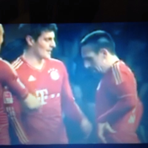 Mike Vaughans post on Vine - Bayern free kicks - Mike Vaughans post on Vine