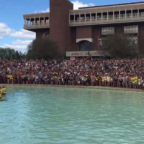 UCF Knightss post on Vine - ALL IN!!! #SpiritSplash #UCFHC #ChargeOn - UCF Knightss post on Vine