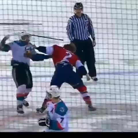 Absolutely insane fight between Josh Thrower of the Tri-City Americans and Tyrell Gouldbourne of the Kelowna Rockets of the WHL - GoalieWayss post on Vine
