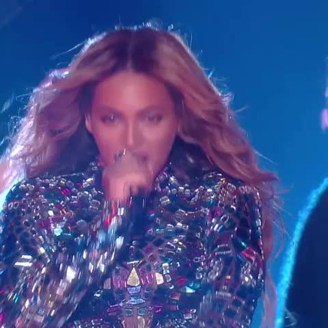 Geovannies post on Vine - Vine by Geovannie - Respect that bow down bitches #VMAs #MTV #Beyoncé #beyonce #Vmas2014