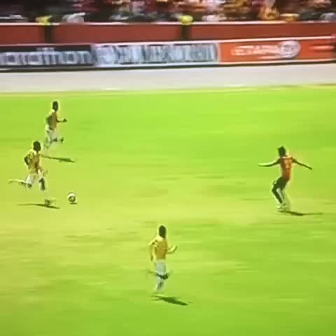 Rogelio Arosemenas post on Vine - Y #PedroPabloVelasco liquidó el partido sobre el final en una contra letal. #BSC #Barcelona #BarcelonaSC - Rogelio Arosemenas post on Vine