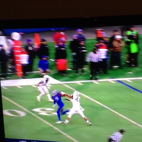 Vine by Woody Wommack - What a crazy catch by Kansas wide receiver Nigel King #rockChalk