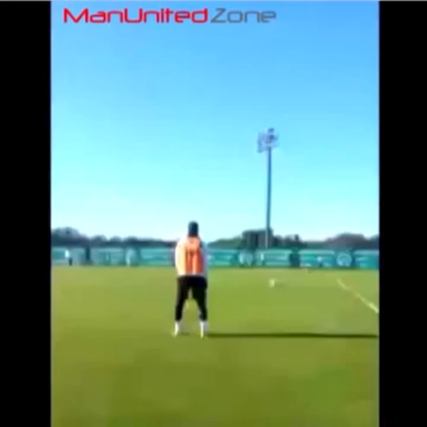 FOLLOW OUR TWITTER @ManU_FC1878s post on Vine - Some crazy ball control by Manchester United target Marcos Rojo in training! #MUFC #MANUTD - FOLLOW OUR TWITTER @ManU_FC1878s post on Vine