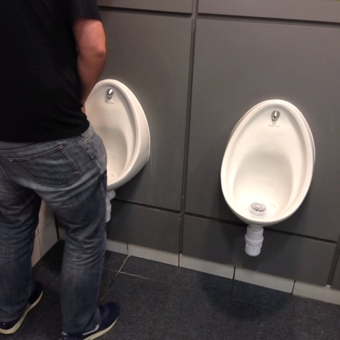 Using the magic spray to enforce Urinal etiquette! #BrazilNuts - Paddy Powers post on Vine