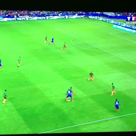 Vine by B2 #12 - Le but de Giroud contre le Cameroun #FRACAM