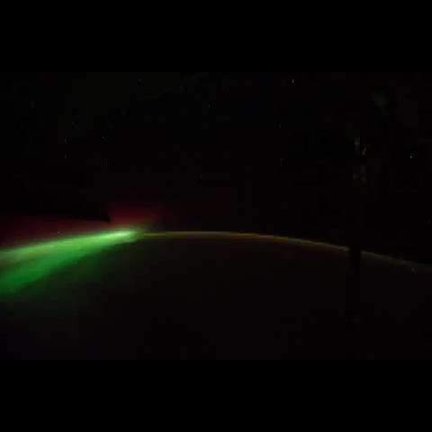 Reid Wisemans post on Vine - #AuroraWeek #SpaceVine #Timelapse 28mm lens, sweeping #aurora - Reid Wisemans post on Vine