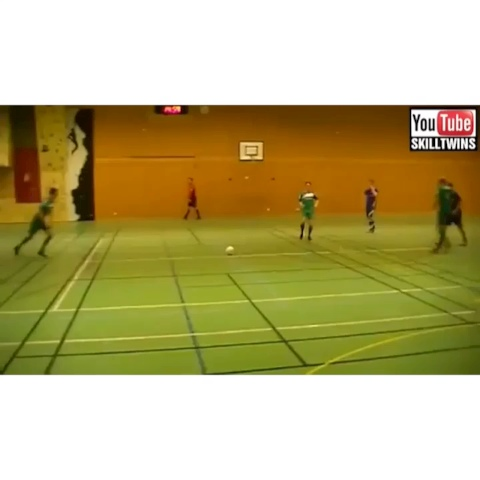 Vine by SoccerKicks&Wins - Changed it up for my followers showing some Futsal! Comment what clip was the best. Want more followers? Kik me!