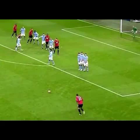 Robin van Persie winner against Man City. #MUFC #RVP - TotallyMUFCs post on Vine
