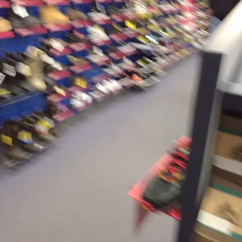 Vine by Stephan Gray - Dude is really not tryin to waste his $19.99 at Big5 today