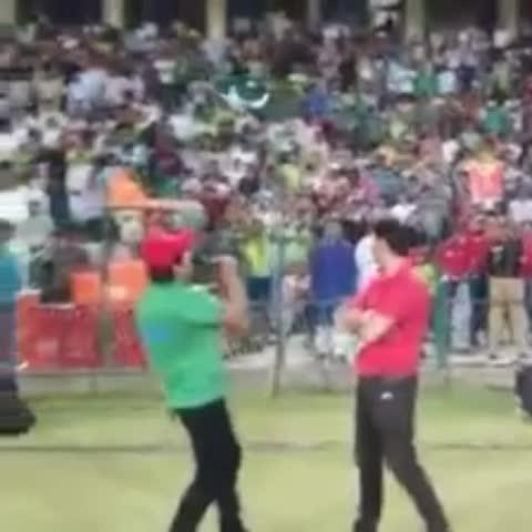 """Vine by Ali Haider - Crowd chanting """"Zimbabwe, Zimbabwe, Zimbabwe"""" Emotional Scenes here at Lahore @ZimCricketv ???? #PakvsZim #PakvZim"""