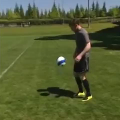Fail Viness post on Vine - Vine by Fail Vines - Wayne Rooney doesnt give a fuck 😂😂 #fail #failvines