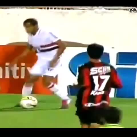 soccerboys post on Vine - Amazing panna from lucas #soccer #soccerboys - soccerboys post on Vine