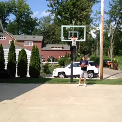 Braden Palmores post on Vine - #AverageSportsPlays #Hoops #Legendary - Braden Palmores post on Vine