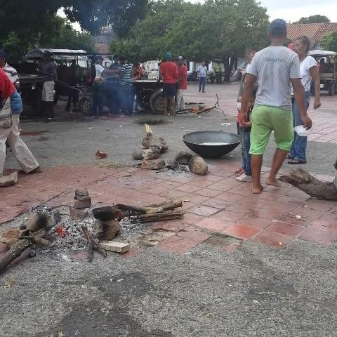 La revolución de los carromuleros de @Valledupar. Plaza Alfonso Lopez - Sandra Machado Arques post on Vine