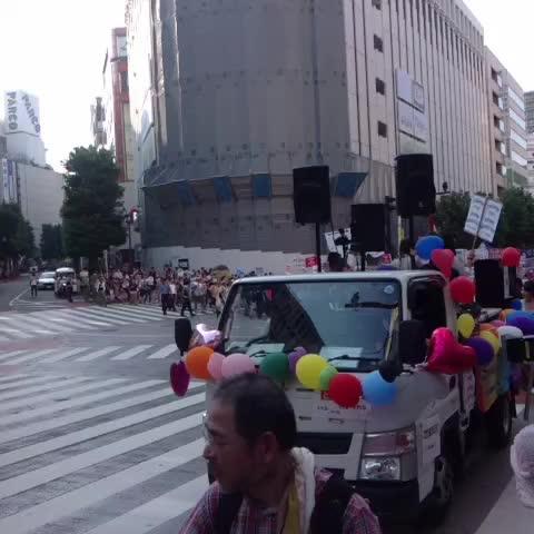 Vine by 社民党OfficialTweet - 「戦争法案に反対する高校生渋谷デモ」 #teensSOWL #制服デモ #戦争法案反対 #本当に止める