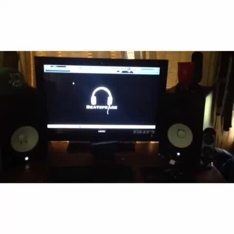 Beatspeares post on Vine - That Nigga Beatspeare #LoopGang #instrumental #producingbeats #makingbeats #EDM #FLStudio10 #808s #producer #music #musicproduction - Beatspeares post on Vine