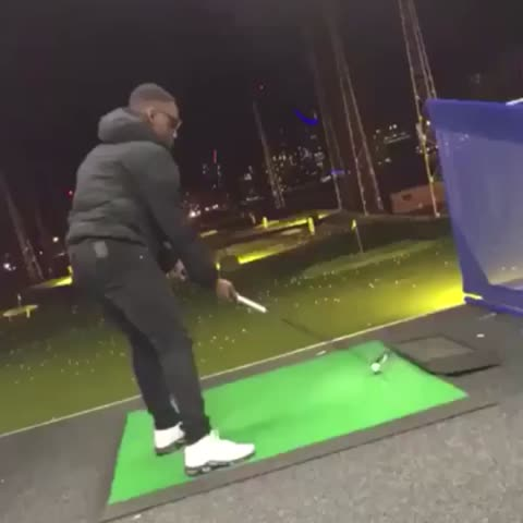 Vine by House of Highlights (Official) - Who said golf was easy? (via @theboyals/Twitter)