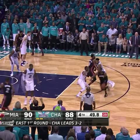 Vine by Bleacher Report - Wade clutch