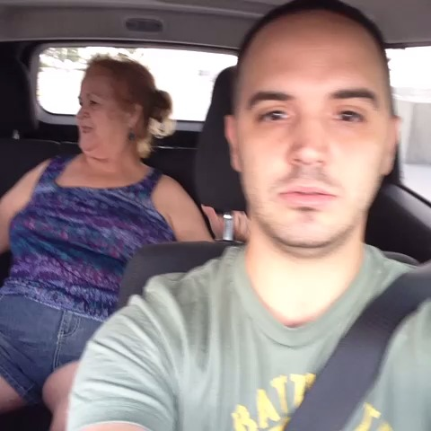 Awkward moment while dropping off my neighbor..(speechless) #speechless #comedy #funny #selfie #howto #loop #TeamVine #Sunday #bestoftheday - Yoeslan Alfaros post on Vine