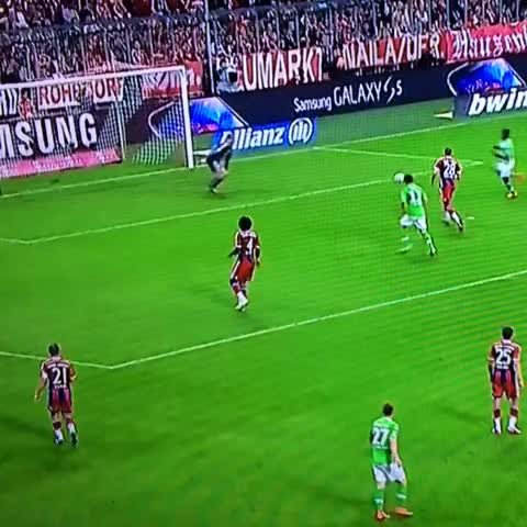 Best miss ever in the Bayern v Wolfsburg game - Andy Heatons post on Vine