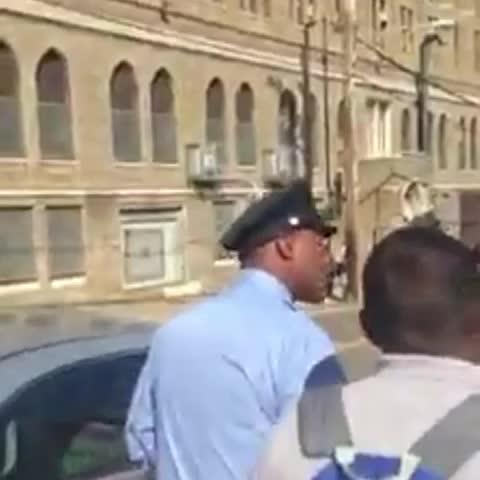 Dre57s post on Vine - Vine by Dre57 - These nut ass philly cops out here talkin crazy 😳