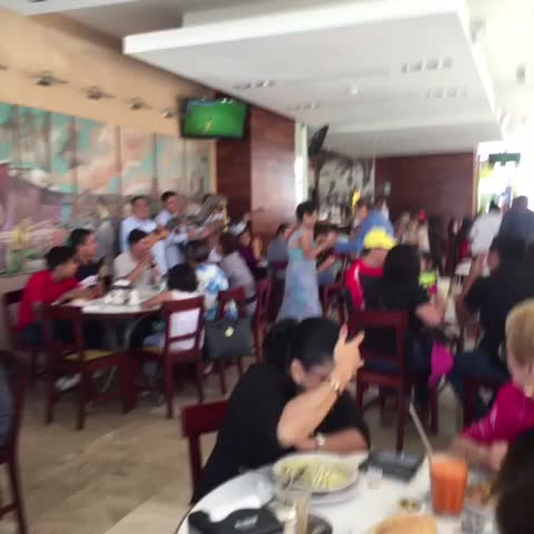 Vine by La Varonita - Así se toma café en #Veracruz #Xalapa con la música por dentro! 😜🤘🏻