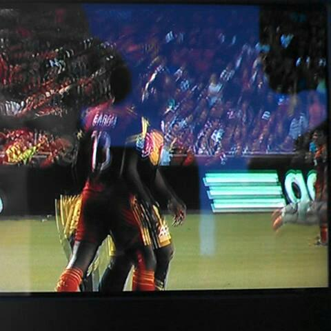 Hard to see but here is the Olave - Garcia scuffle. Looks like Olave goes low. #RSL - Tyler Gibbonss post on Vine