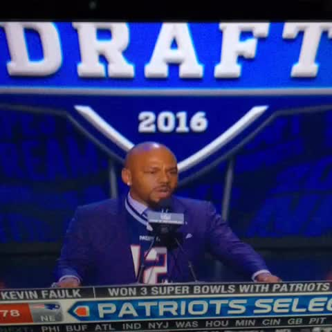 Vine by Brendan Lynch - KEVIN FAULK FROM THE TOP ROPE MY GOD @NFLCOMMISH #PATRIOTS