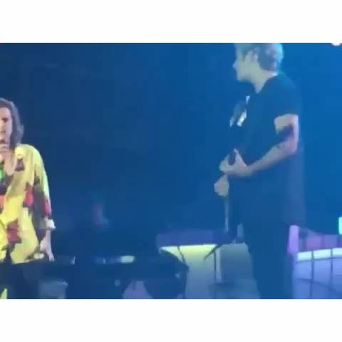 Vine by 1DInfectioMNL - Throwback to when Harry did a Michael Jackson thing during #OTRATMNL