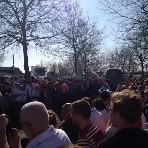England arrive at Twickenham. The atmosphere is building... #ENGvWAL #CarryThemHome - England Rugbys post on Vine