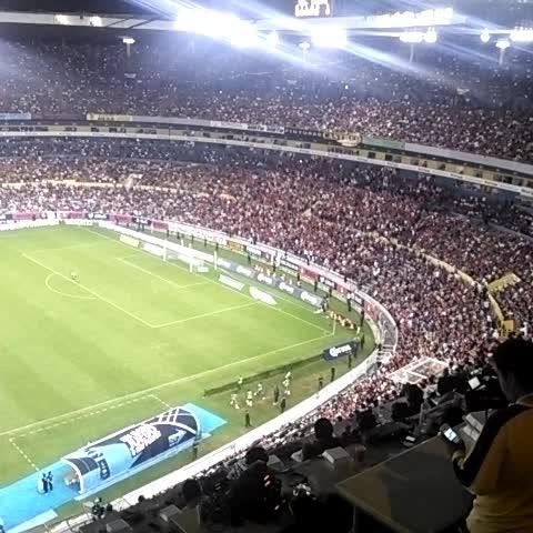 Gabriel Tamayos post on Vine - La afición del #Atlas se prende en el Jalisco. - Gabriel Tamayos post on Vine