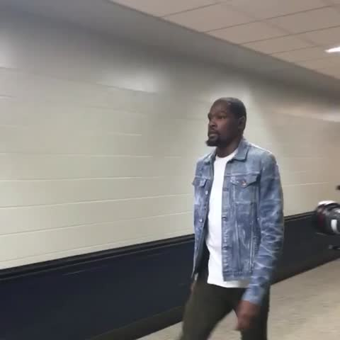 Vine by NBA - Kevin Durant, always showing love! His @okcthunder looking for a series-clinching win tonight. #NBAStyle
