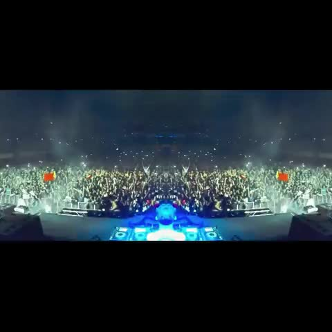 EastCoastRavers™s post on Vine - Everybody in the club! Doesnt this just make you want to bounce?! Comment Below your next Show/rave/festival or somewhere you want to go! - EastCoastRavers™s post on Vine
