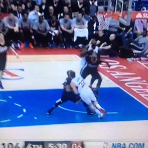 Anthony Slaters post on Vine - Another Blake Griffin wrestling match, this one with PJ Tucker - Anthony Slaters post on Vine