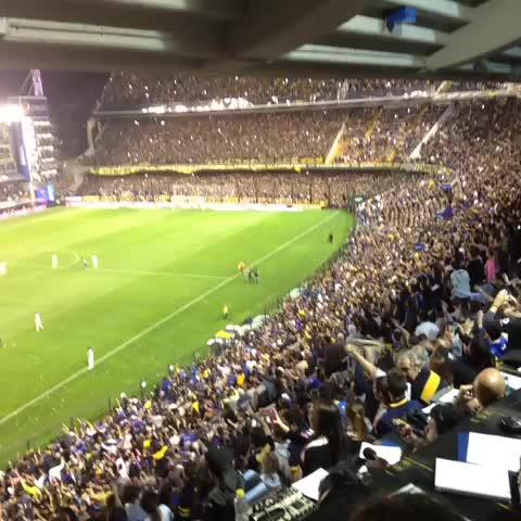 Boca Juniorss post on Vine - Fiesta en la #Bombonera - Boca Juniorss post on Vine