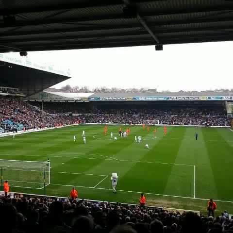 Finally, were back after 35 days #LUFC - RITGKs post on Vine