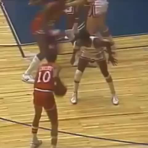 Vine by TEAM RISE - Darryl Dawkins the backboard breaking king! ????SONG: Wreaking ball caked up remix????