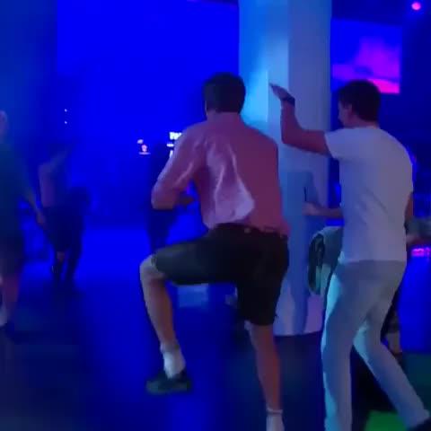 Vine by JustForSnonks - Dancing Müller! #ThomasMüller #Müller #WorldCup2014 #WorldCup #Germany #FIFA #Football #Soccer #FCBayern #FCBayernMunich