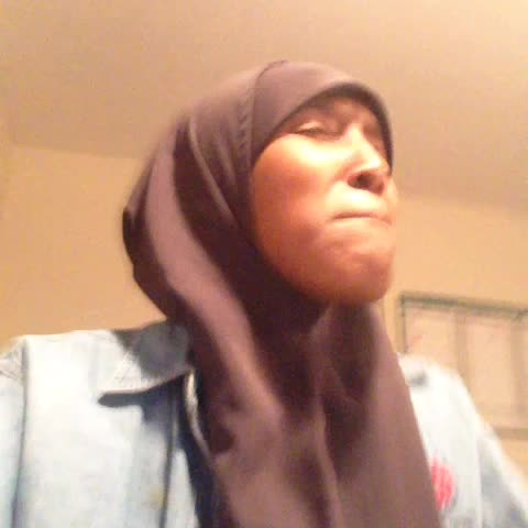 Sadia Arabia (thesadia)s post on Vine - Vine by Sadia Arabia (thesadia) - How I feel about finals part 2 (trifling school behavior brings out my inner somali part. This is getting out of hand) #SomaliVines