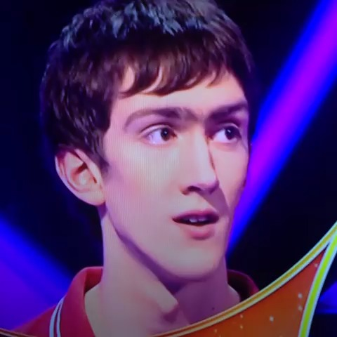 Stephen Joseph Munros post on Vine - Hahhaa #Pointless game show. This guys face 😂 - Stephen Joseph Munros post on Vine