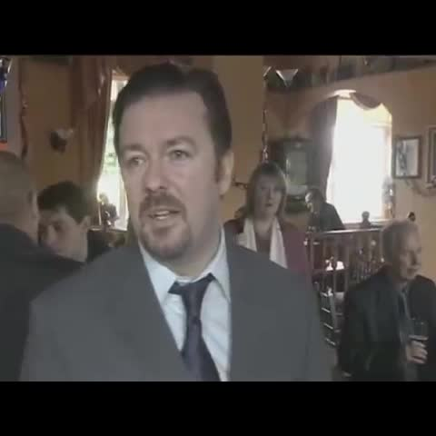 Ben Carrolls post on Vine - Vine by Ben Carroll - When someone you hate walks in the room 😂 #rickygervais #davidbrent #theoffice  #videoshop