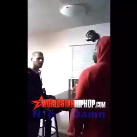 HE GOT SLAPPED INTO THE THRILLER ???????????? - Vine by Knockouts - HE GOT SLAPPED INTO THE THRILLER 😂😭😂
