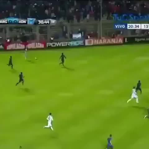 Vine by @UberAFC - So Higuain did this tonight..
