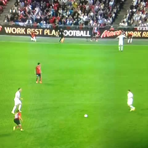 Vine by Steven Donnell - James Milner at his best 😂😂😂😂😂#scotsfootyvines #england